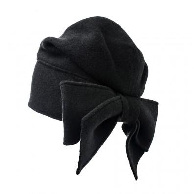Bonnet avec noeud derrière