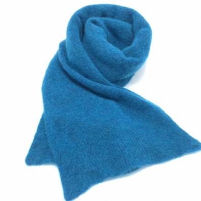 Echarpe bleu vif