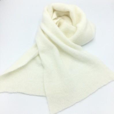 Echarpe blanc cassé